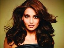 Bipasha basu on ArtisteBooking