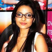 Chitrashi Rawat on ArtisteBooking