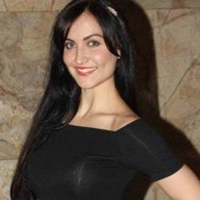 Elli Avram on ArtisteBooking