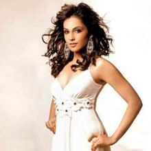 Isha Koppikar on ArtisteBooking
