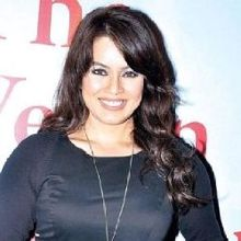 Mahima Chaudhry on ArtisteBooking