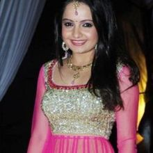 Giaa Manek  on ArtisteBooking