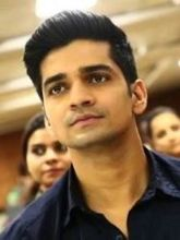 Vishal Singh on ArtisteBooking