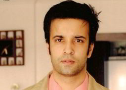 Aamir Ali  on ArtisteBooking