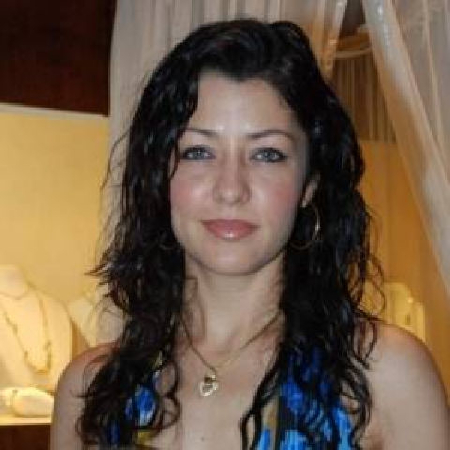 Aditi Govitrikar on ArtisteBooking