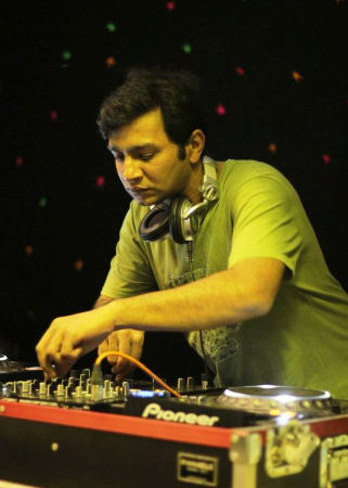 Dj Shiva Moon on ArtisteBooking