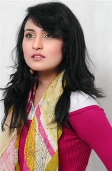 Sara Raza Khan