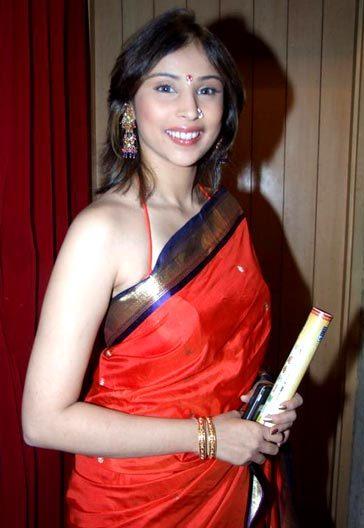 Khyati Khandke on Artistebooking