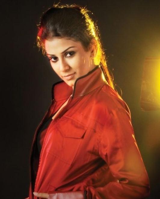 Mala Salariya on Artistebooking
